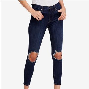 Free People busted knee skinny jeans s 29